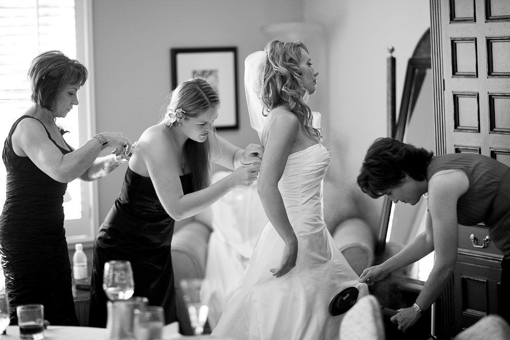 10 essential ways to help the bride to be