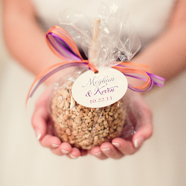 Ideas for a fall bridal shower trueblu bridesmaid for Candy apple wedding favors