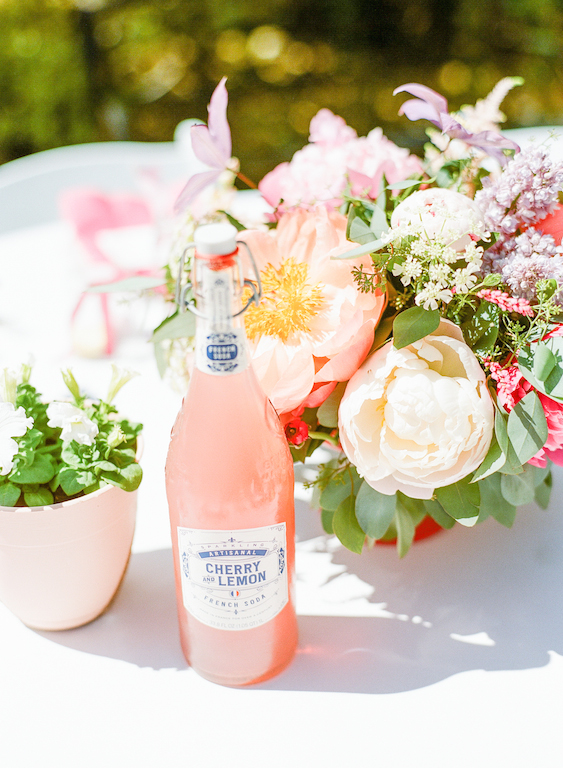 bright_bold_colorful_gold_outdoor_bridal_shower_022