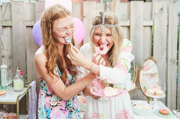How to be an Awesome Friend (while your friend plans her dream wedding)